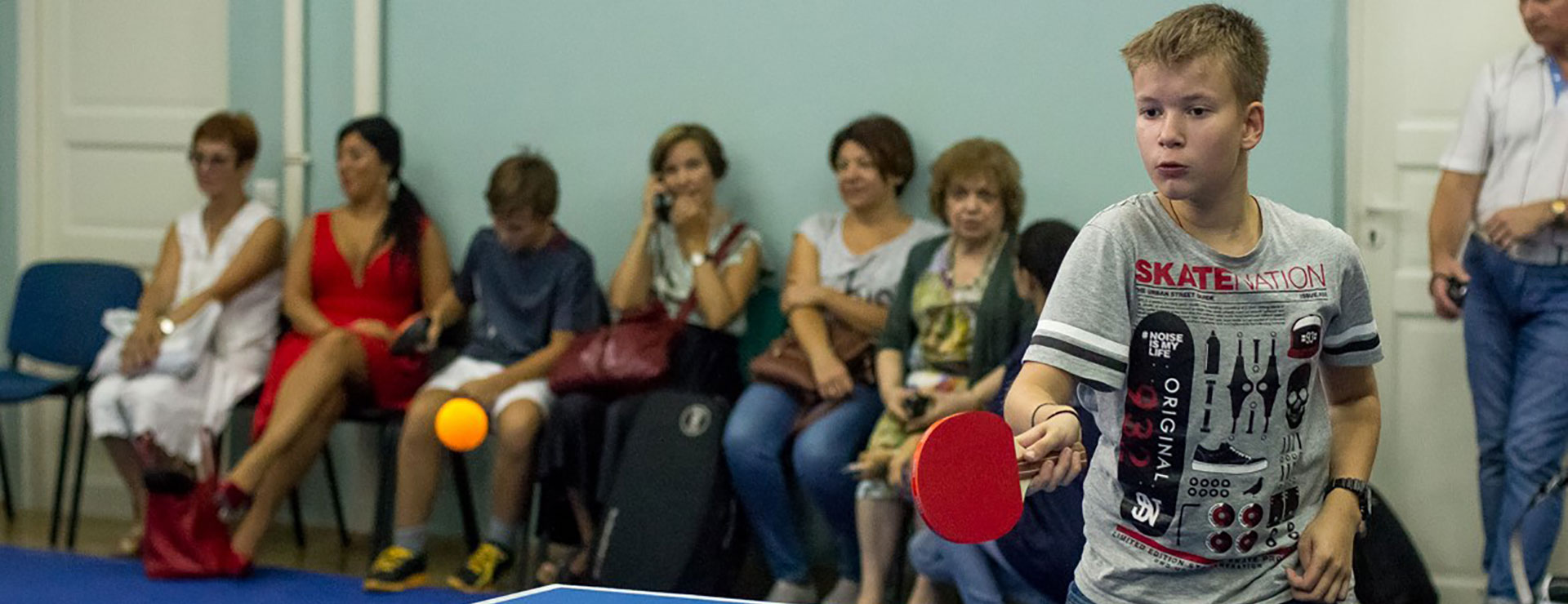 Entertaining leisure: Dance classes and international table tennis tournament.